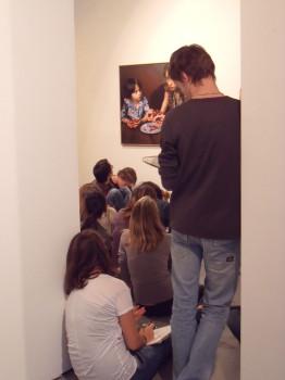 Visite d'exposition, classe de 1e © Stimultania