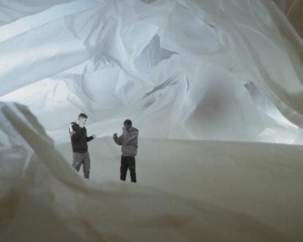 Ce qui entoure, cavernes © Stimultania et les élèves