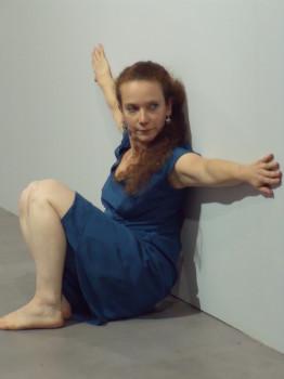 Marjorie Burger-Chassignet, visite-dansée © Stimultania
