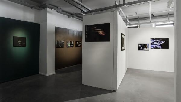 Vue de l'exposition « Un passé sous silence » © Émilie Arfeuil