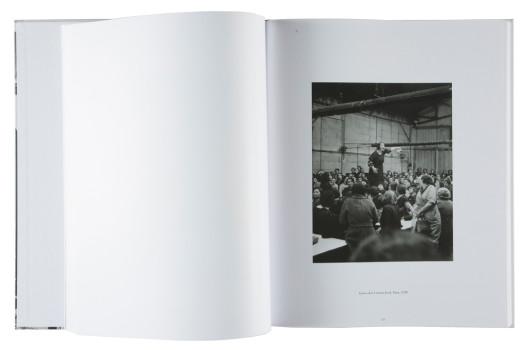 « Une poétique de l'engagement » de Willy Ronis, Democratic Books, 2010