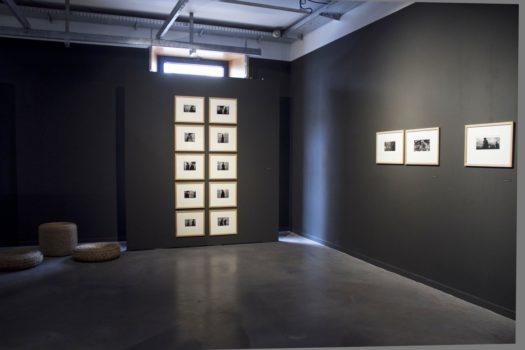 Vue de l'exposition « Ici au loin » de Pentti Sammallahti à Stimultania, Strasbourg © Stimultania, 2017